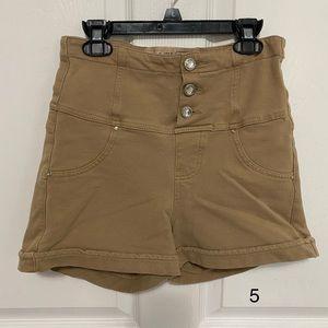 Junior high rise shorts